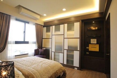 貼上金蔥的平條玻璃,呈現出一種雅致的穿透感,讓空間感覺變大了!