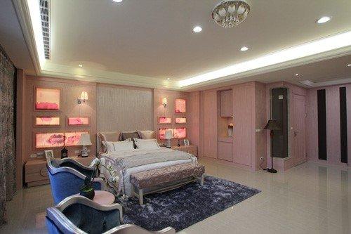 床頭背板的各式格樣,以特殊材質的布料輸出
