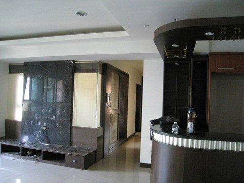 左圖為客廳改造前