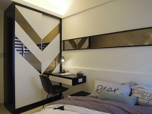孩臥室局部貼鏡設計:多元的材質運用得恰如其分,迸撞出令人驚喜的火花。