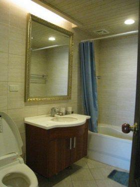 置換新硬體,浴室不但煥然一新,而且更好用了